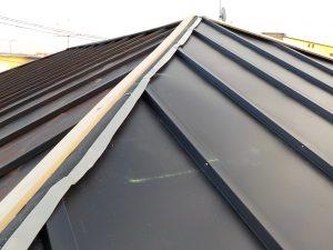 桟葺き屋根 瓦棒屋根